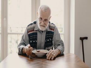 Social Isolation Tied to Higher Risk of CV Events, Death